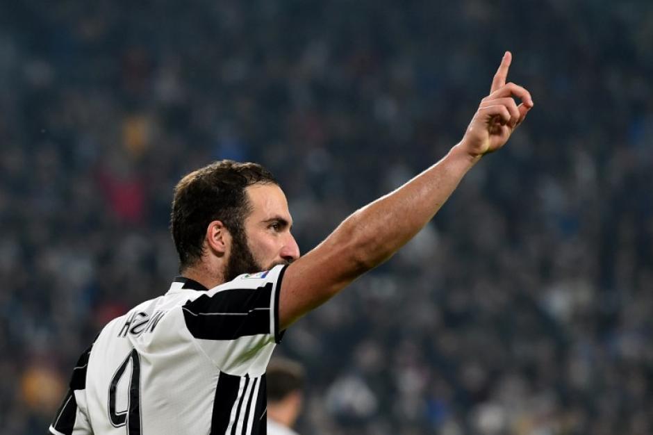 Su único gesto fue señalar a la afición de la Juve. (Foto: AFP)