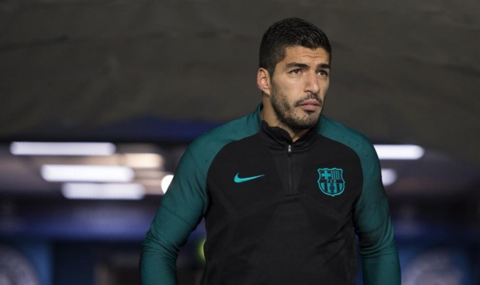 Luis Suárez durante el entreno en Manchester. (Foto: AFP)