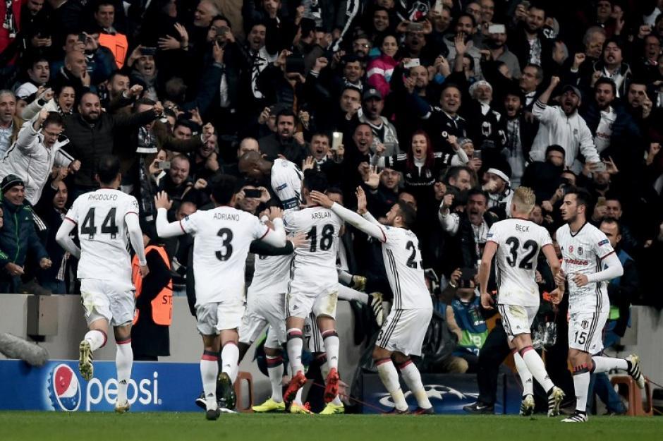 El Besiktas empató 1-1 con el club italiano. (Foto: AFP)