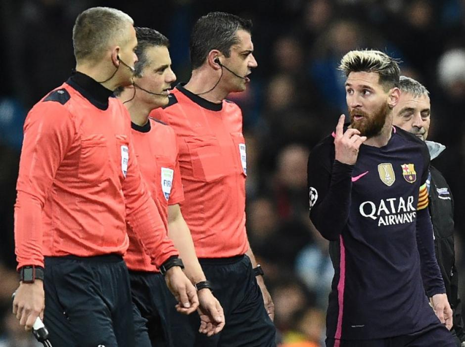 Messi no tuvo una buena noche en Manchester. (Foto: AFP)