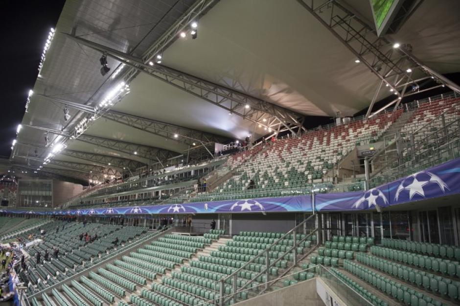 El partido se jugó sin público. (Foto: AFP)