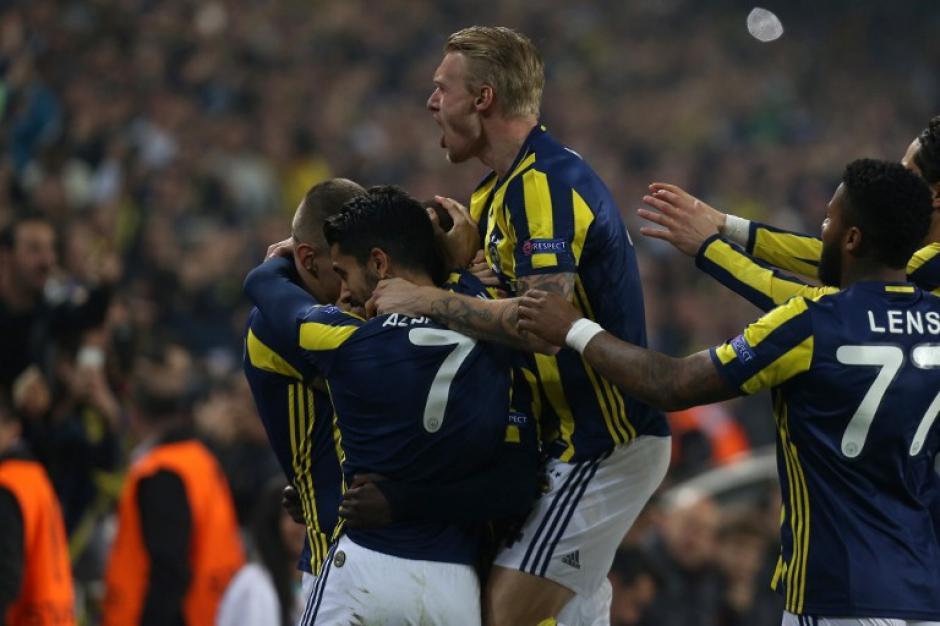 El Fenerbahçe ganó con dos golazos. (Foto: AFP)