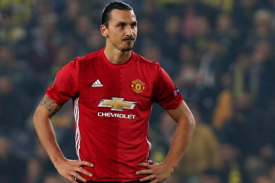 Zlatan está en muy mala racha... (Foto: AFP)