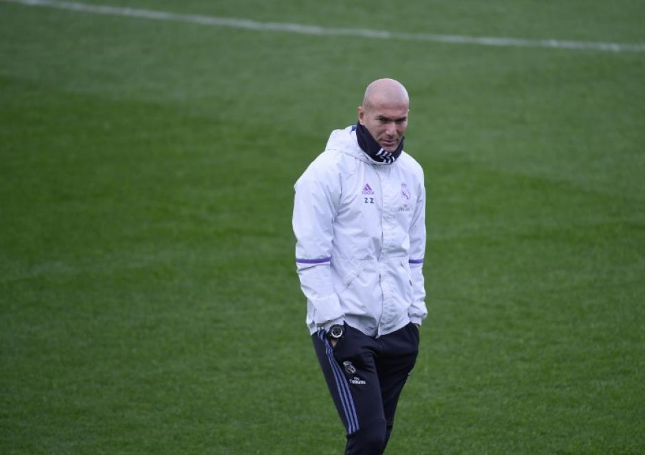Zinedine Zidane ha tenido que lidiar con una lesión tras otra. (Foto: AFP)