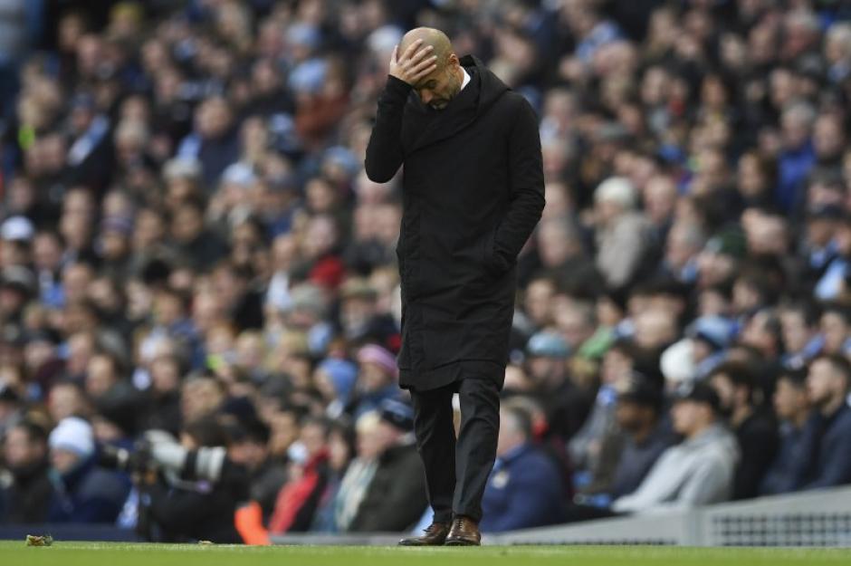 Guardiola tuvo un gran inicio, pero ya perdió el liderato de Inglaterra. (Foto: AFP)