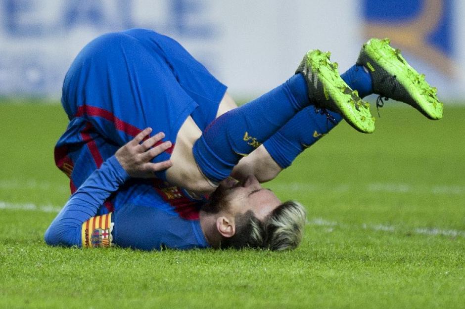 Curiosa la foto, sí, pero es en la que mejor se aprecian las botas actuales de Leo. (Foto: AFP)