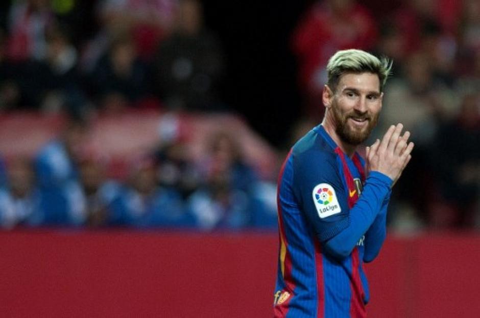 Messi anotó contra el Sevilla, pero también recibió una tarjeta amarilla. (Foto: AFP)