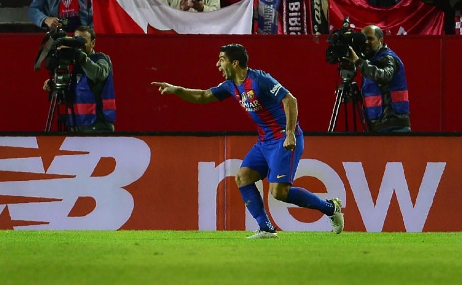 El uruguayo tuvo un gran gesto con un niño. (Foto: AFP)