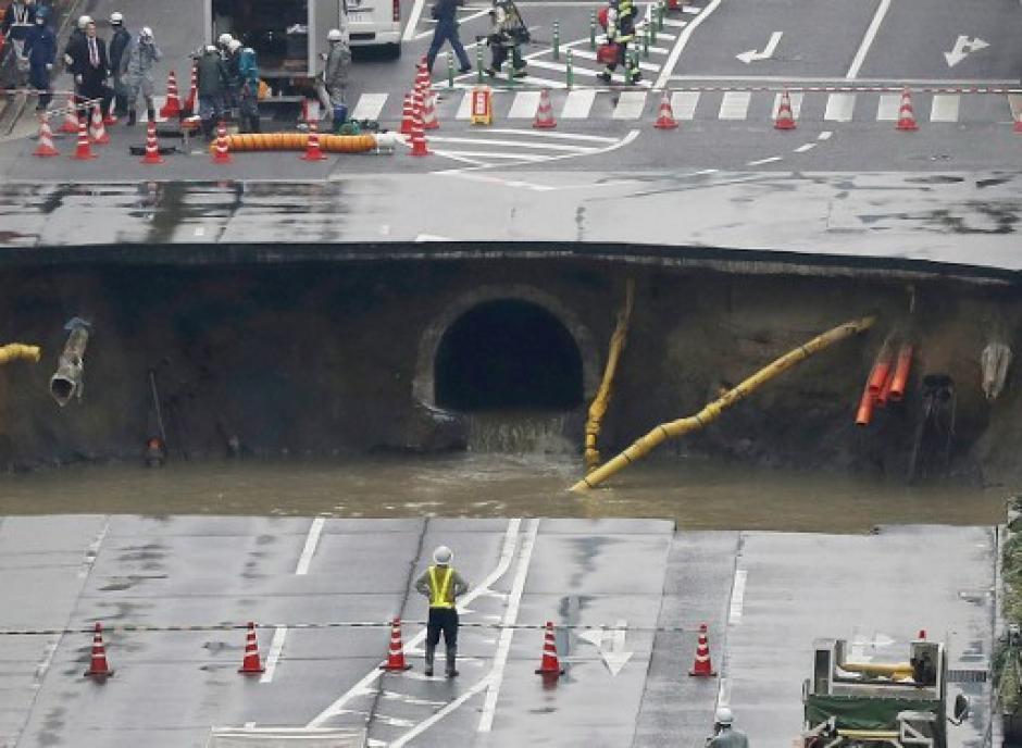 El hundimiento de tierra fue de más de 800 metros. (Foto: AFP)