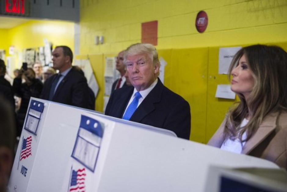 Donald Trump votó con su esposa en Nueva York. (Foto: AFP)