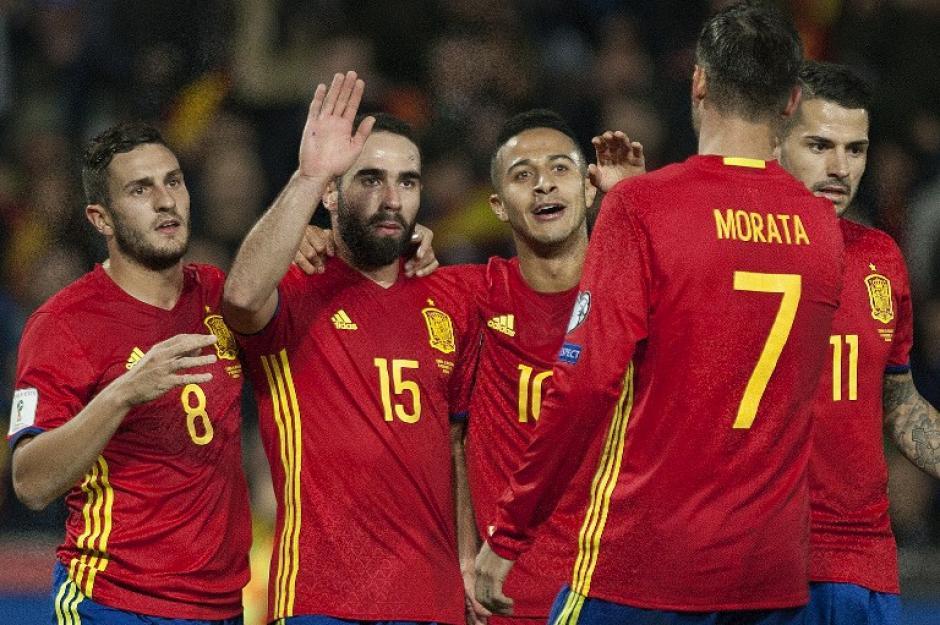 España celebra uno de los goles. (Foto: AFP)