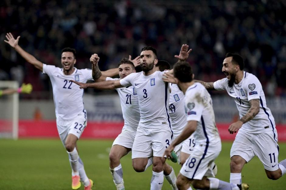 Grecia mantuvo su segundo puesto en el grupo. (Foto: AFP)