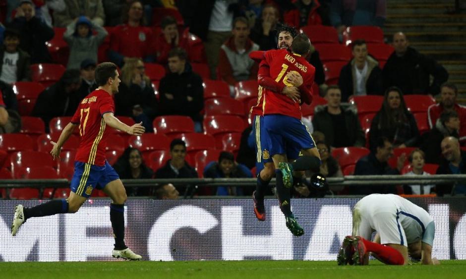 España consiguió un agónico empate contra Inglaterra. (Foto: AFP)