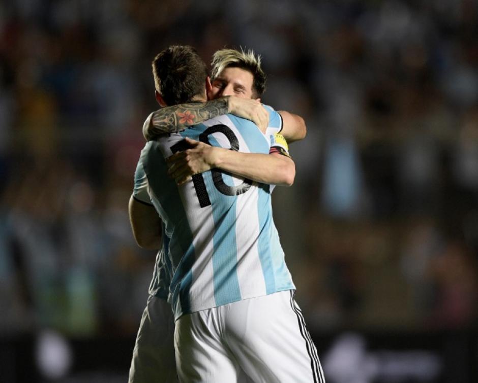 El diez metió un gol y dio las otras dos asistencias. (Foto: AFP)