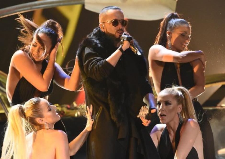 Yandel hizo bailar al público.  (Foto: AFP)