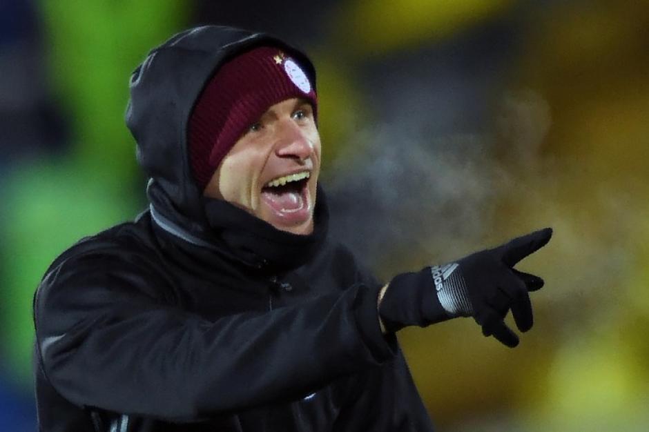 Thomas Müller, también bien cubierto. (Foto: AFP)