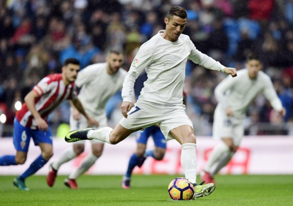 """Cristiano metió dos goles y ya es """"pichichi"""". (Foto: AFP)"""
