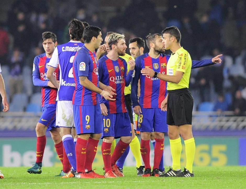 El Barcelona llega al clásico con 6 puntos de desventaja. (Foto: AFP)