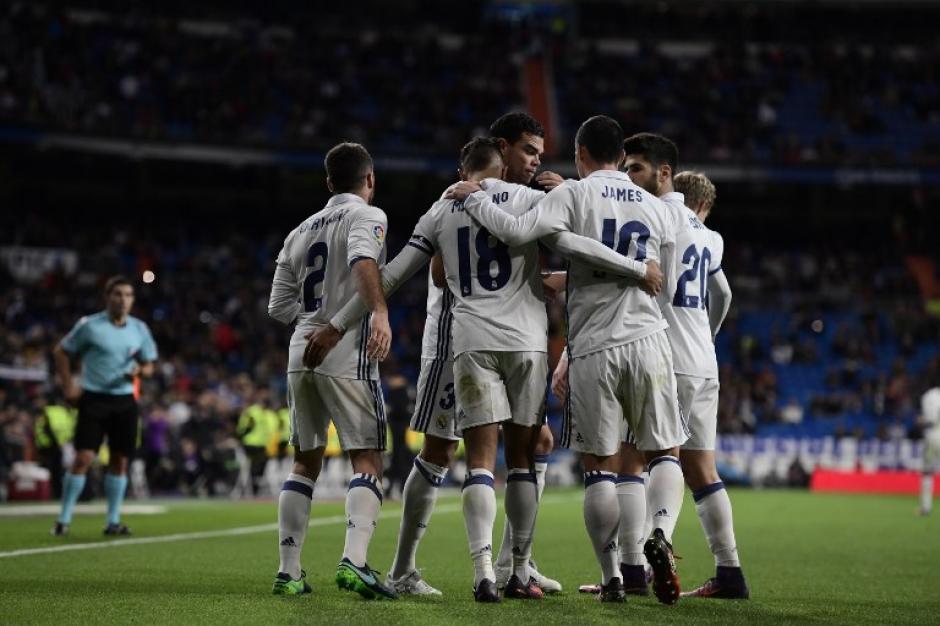 El Real Madrid ya piensa en el clásico. (Foto: AFP)
