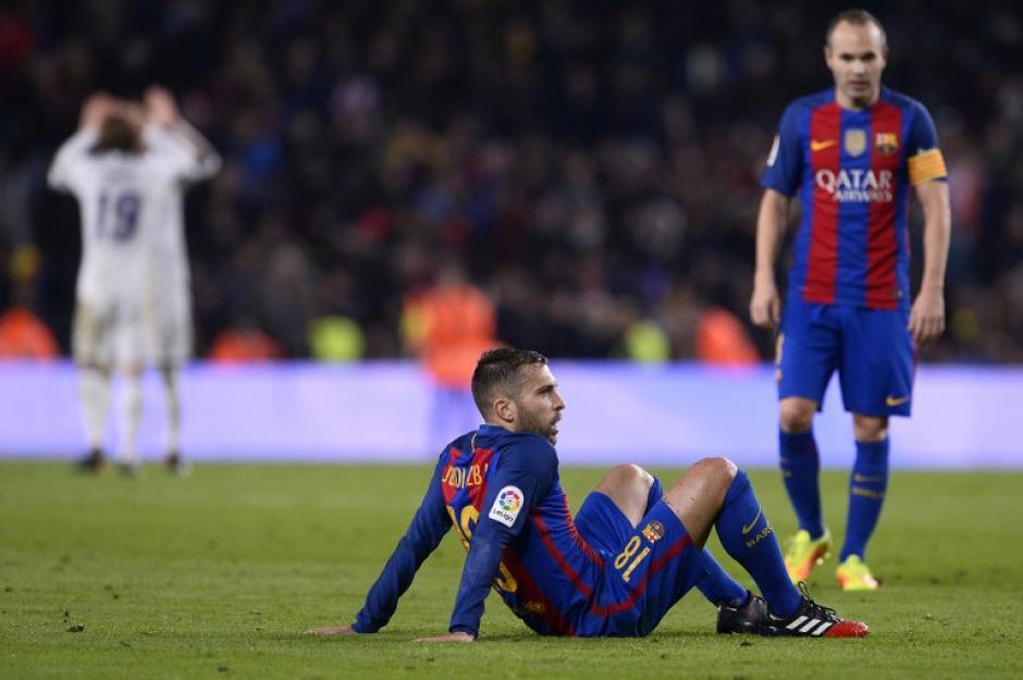 Alba se lamenta tras el empate recibido a última hora. (Foto: AFP)