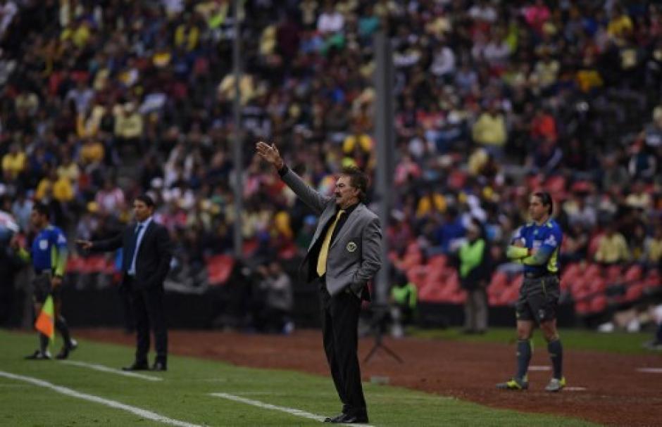 Ricardo La Volpe de nuevo pudo llegar a una final en el fútbol mexicano. (Foto: AFP)