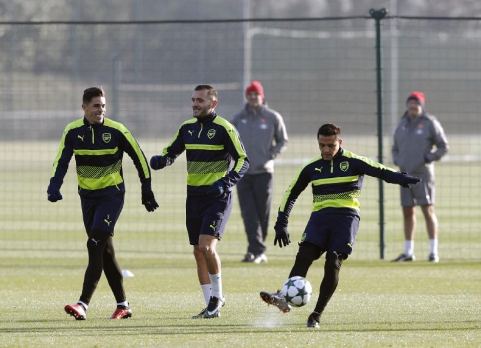 Arsenal y PSG se juegan el primer lugar de su grupo. (Foto: AFP)