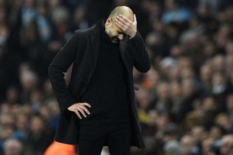 Guardiola se aleja bastante del liderato. (Foto: AFP)
