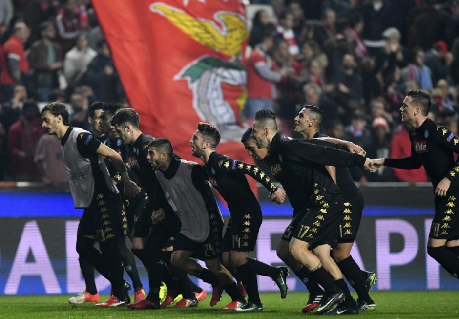 El Napoli clasificó a lo grande. (Foto: AFP)