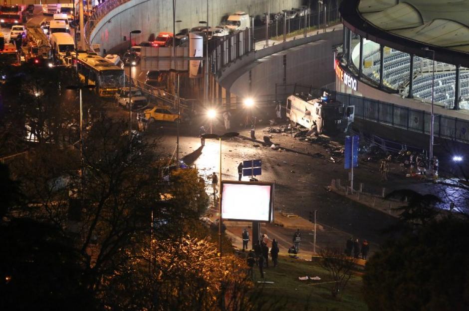 En un video en directo se pueden escuchar las explosiones. (Foto: AFP)