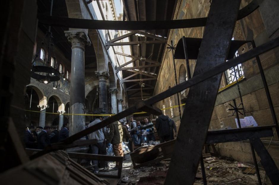 Los destrozos de aprecian adentro y fuera de la Iglesia. (Foto: AFP)
