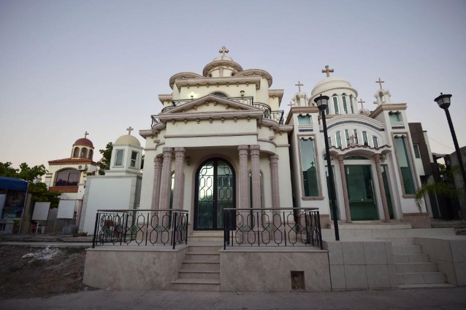 Los mausoleos son enormes y parecen capillas. (Foto: AFP)