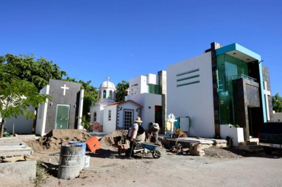 Algunas de la tumbas están en construcción en espera de ser la última morada de un narcotraficante. (Foto: AFP)