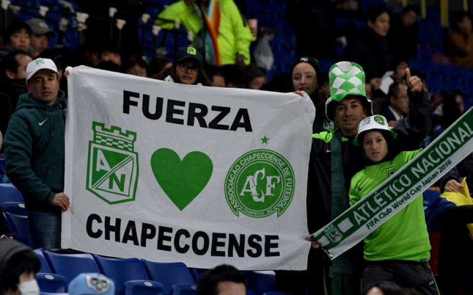 El Chape sigue recibiendo mensajes de amor en todos lados. (Foto: AFP)