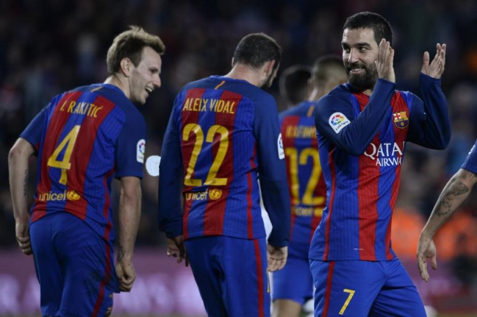Arda Turan lideró al Barcelona para vencer al Hércules. (Foto: AFP)