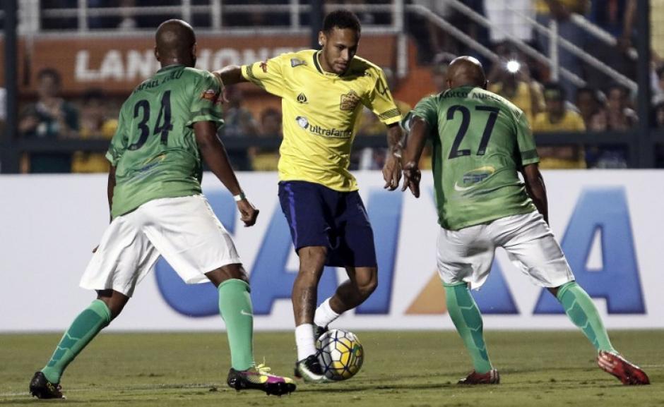Neymar jugó para las víctimas del Chape. (Foto: AFP)