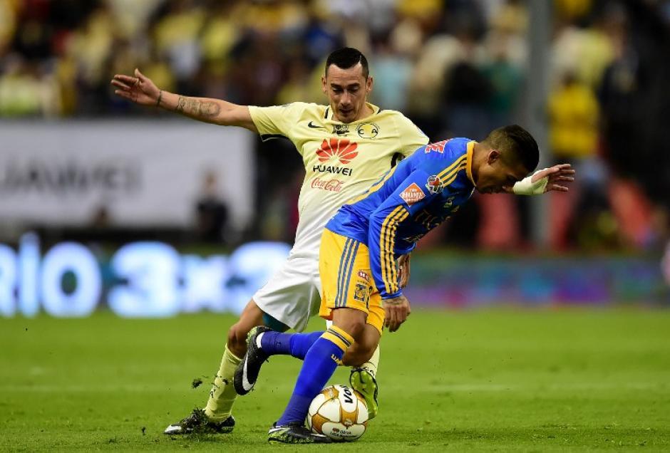 El duelo contó con oportunidades para ambos equipos. (Foto: AFP)