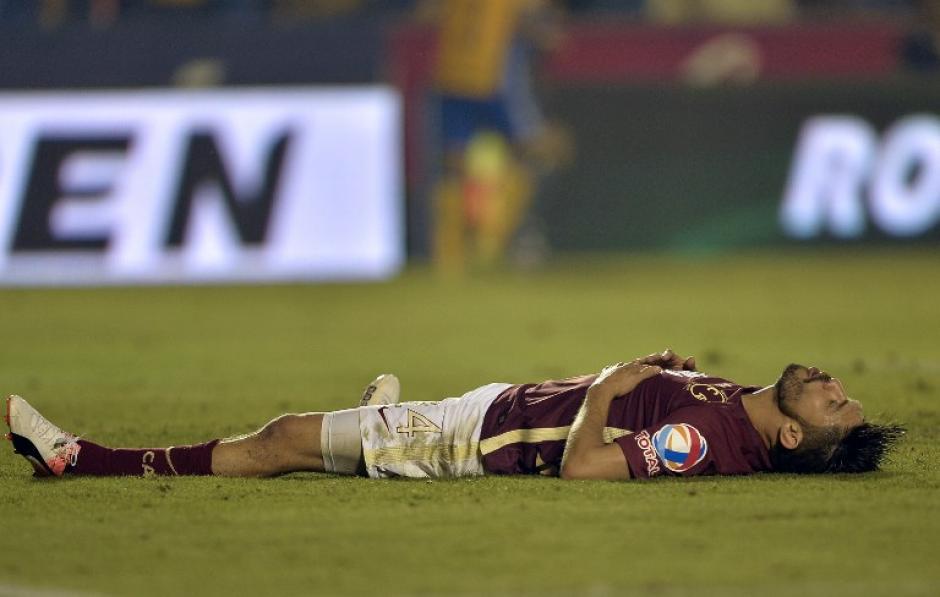 Oribe Peralta se perdió una de las ocasiones más claras para el América. (Foto: AFP)
