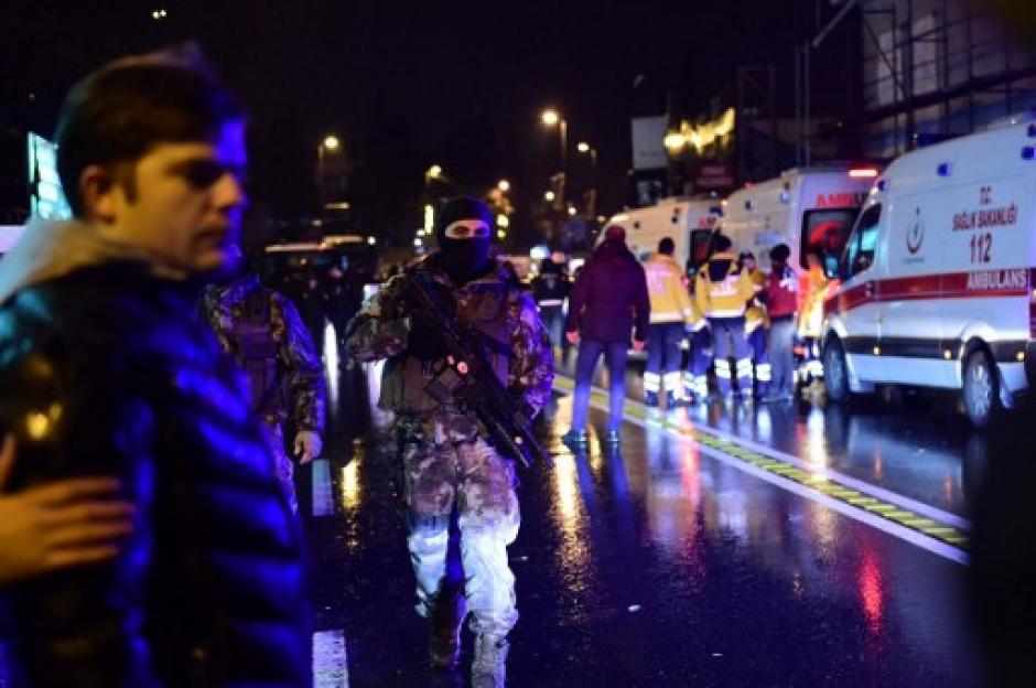 La cifra de muertos por el atentado en una discoteca de Estambul subió de 35 a 39, además de casi 70 heridos