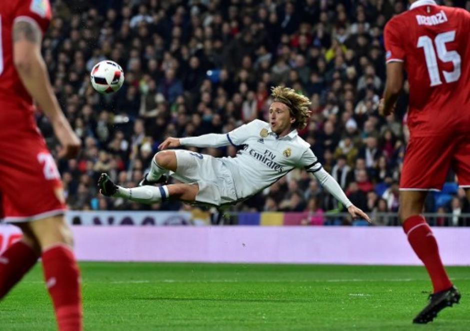 Luka Modric dio un gran partido. (Foto: AFP)