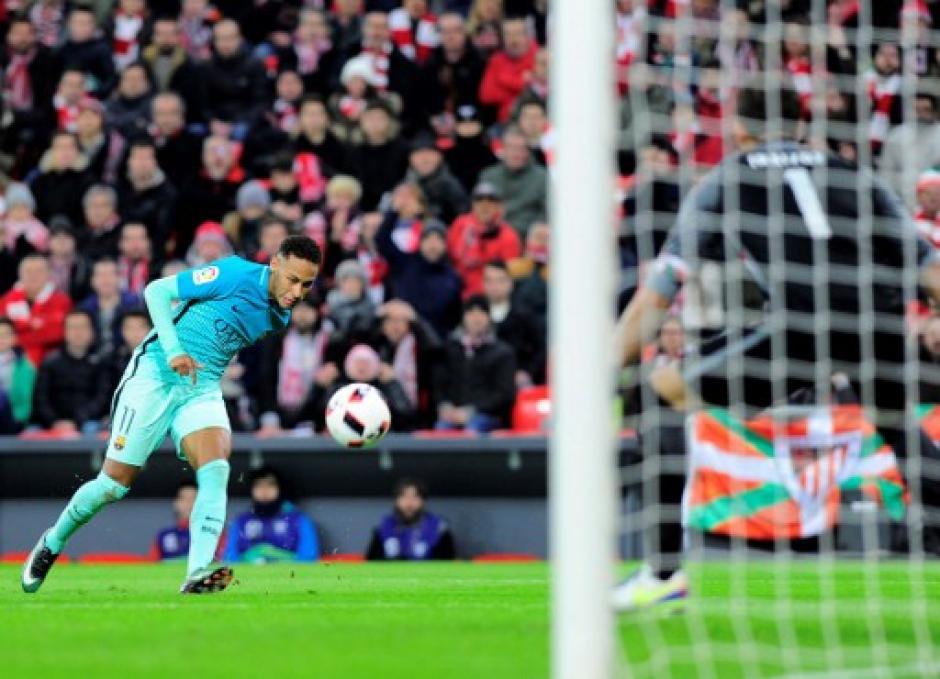 Neymar estuvo lejos de su nivel. (Foto: AFP