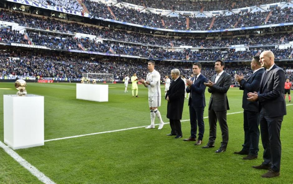 Zidane, Michel Owen y Luis Figo también asistieron al encuentro. (Foto: AFP)