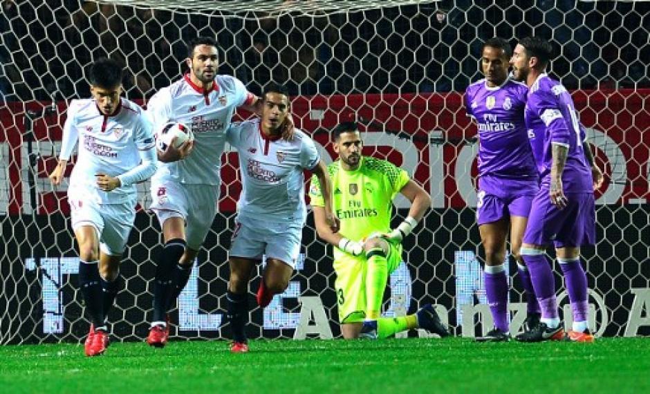 El Sevilla intentó la remontada pero se ahogó en la orilla. (Foto: AFP)