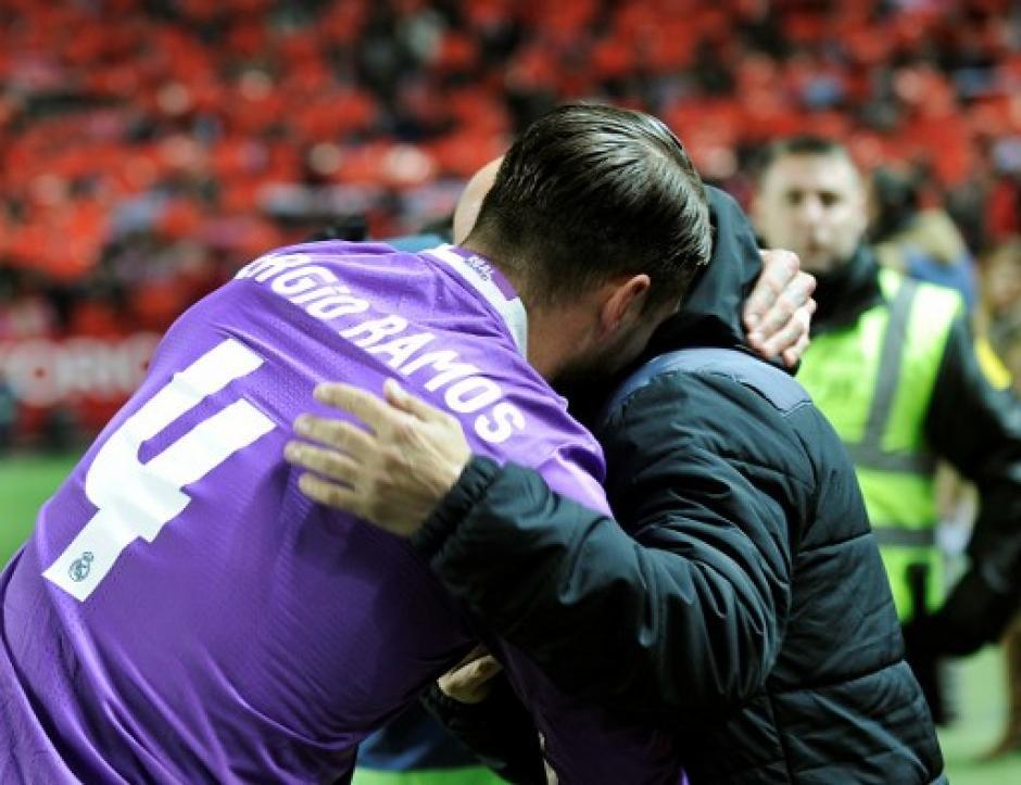 Sergio Ramos anotó un autogol en los últimos minutos del juego ante el Sevilla. (Foto: AFP)