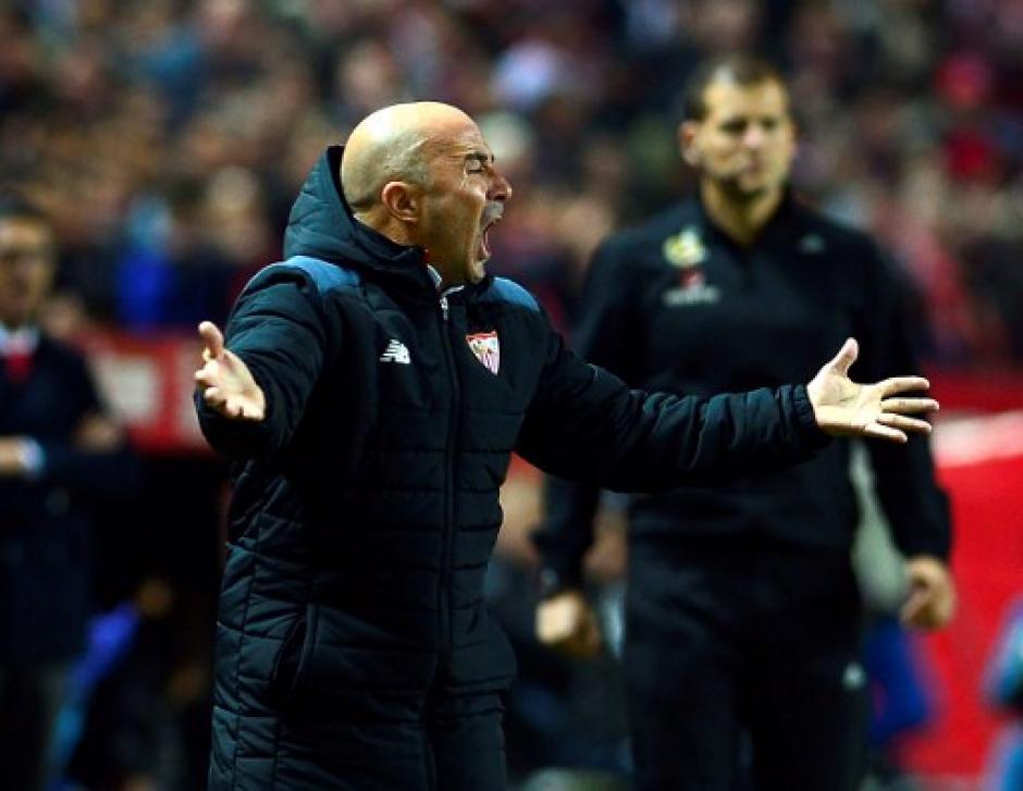 Zidane estuvo en su área técnica durante todo el juego. (Foto: AFP)