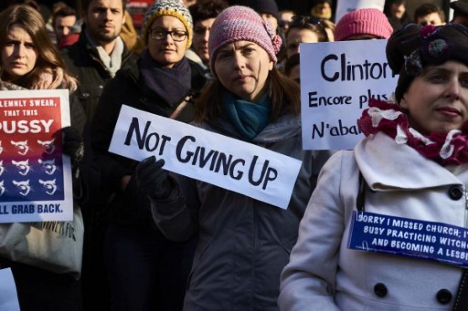 Son marchas de organizaciones de mujeres que no apoyan al nuevo mandatario. (Foto: AFP)