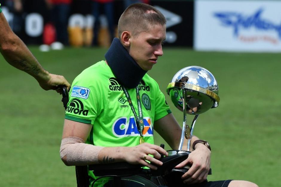 Jackson Follmann era arquero del equipo y sufrió una amputación de pierna por el accidente aéreo. (Foto: AFP)
