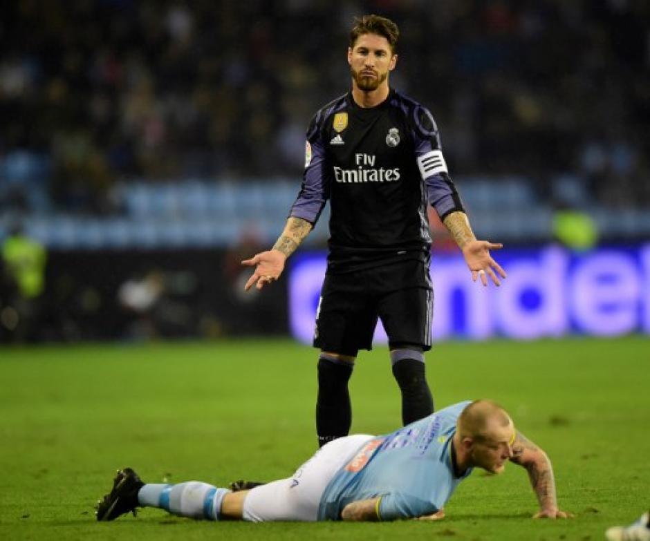 Sergio Ramos y la zaga merengue sufrió contra el Celta de Vigo. (Foto: AFP)