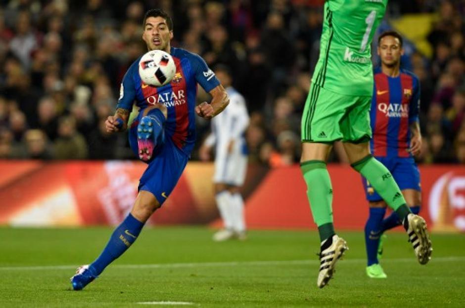 Luis Suárez hizo una gran asistencia y un gol de penal. (Foto:AFP)