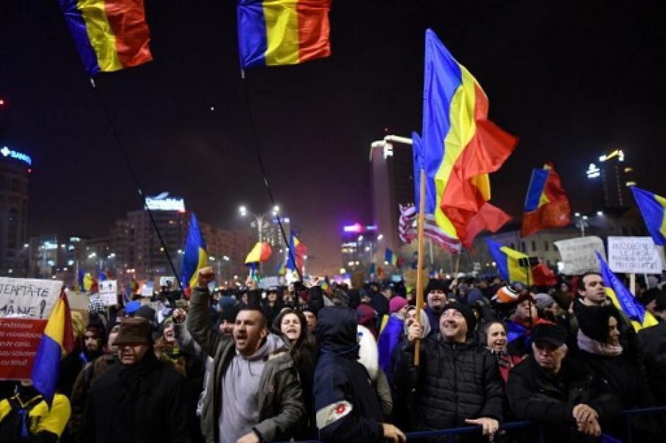 El Gobierno cedió a las manifestaciones y derogó el decreto antes que entrara en vigencia. (Foto: AFP)