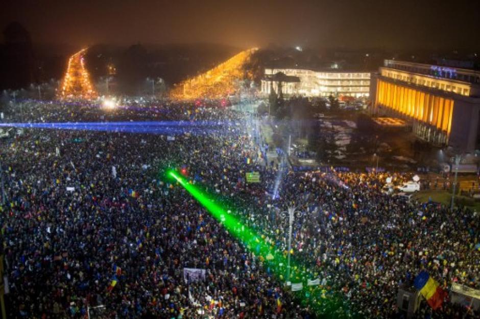 Los rumanos han manifestado en todas las ciudades del país. (Foto: AFP)